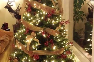 Merry CHRISTMAS Burlap Tree Ribbon Wrap